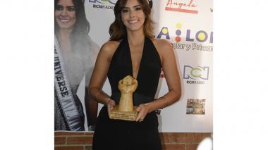 Paulina Vega recibe el Premio Nacional Manos de Colombiano