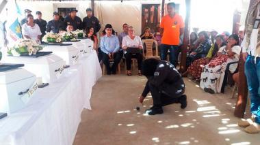 Entregan restos de cinco niños muertos por desnutrición