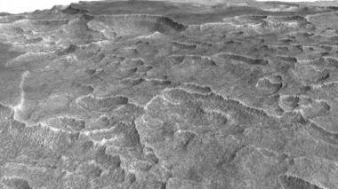 Encuentran lago congelado en Marte