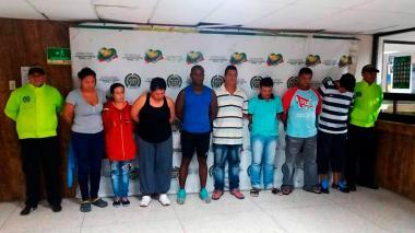 Ocho de los civiles personas capturadas en el operativo contra la banda