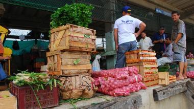 Lea aquí la lista de los precios congelados de 193 alimentos en Granabastos