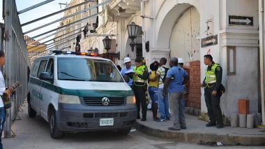 La Policía Judicial fue la encargada de practicar el levantamiento del cadáver.