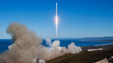 Space X lanza cohete con éxito por primera vez tras explosión de septiembre