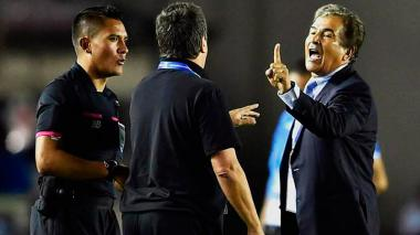Niegan entrada a Pinto a cancha donde entrena Honduras en Panamá por pelea