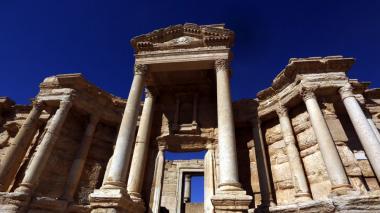 """Rusia tacha de """"bárbaros"""" a yihadistas que dañaron teatro romano de Palmira"""