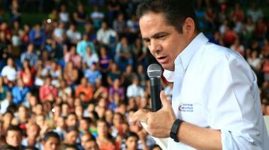 """Polémica por  """"tono hiriente y degradante"""" de Vargas Lleras frente a los venezolanos"""