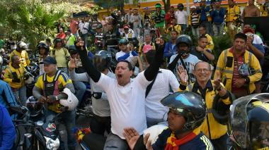 Distrito y motociclistas acuerdan realizar censo y mesa de diálogo