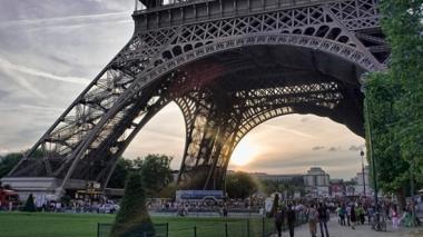 Con cristal antibalas, la Torre Eiffel se blinda contra el terrorismo
