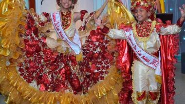 Alejandra Santiago y Gabriel Primera, reyes del Carnaval de los Ninos 2017.
