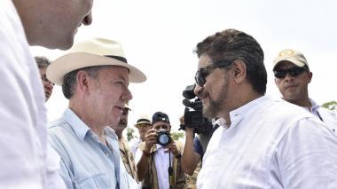 """Santos dice a guerrilleros de las Farc que su desmovilización es """"irreversible"""""""