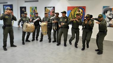 Con letanías y a ritmo carnavalero, Policía socializa el Código