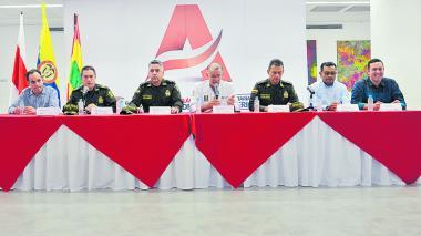 Policías vigilarán el Carnaval ¡hasta vestidos de marimondas!