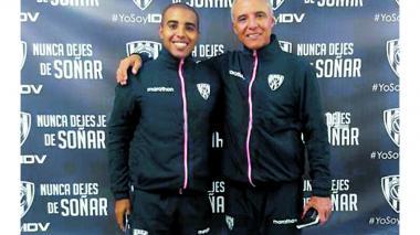 El técnico Alexis Mendoza junto a su hijo Alexis Jr.