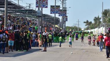 Los danzantes suspendieron la presentación por los baches en varios puntos de la Vía 40.