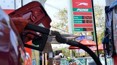 "Aumento de precios de combustibles, un ""golpe al bolsillo"" de consumidores"