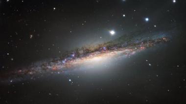 NGC 1055, la galaxia hermana mayor de la Vía Láctea
