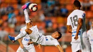 Vladimir Hernández debuta en la Copa Libertadores de América con el Santos