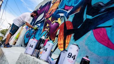 En video | Así se llenan de color los muros de Killart