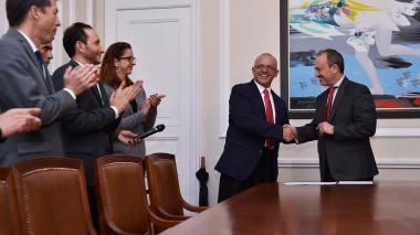 César Ocampo fue posesionado como nuevo director de Colciencias