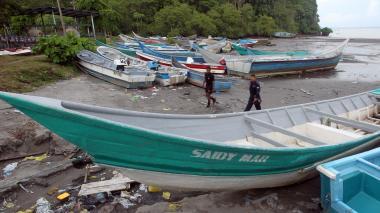 El cementerio de navíos que deja lucha antidrogas en el Pacífico