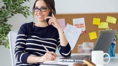 Una desarrolladora web en Estados Unidos gana el 79% del salario de un hombre, haciendo el mismo trabajo.