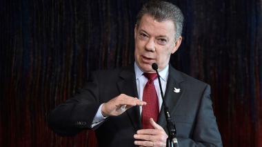 Santos pide al CNE que levante caducidad para investigar campaña 2010