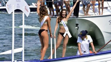 Las candidatas llenaron de belleza la bahía de Cartagena