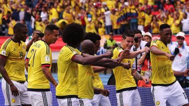 Yerry Mina en la celebración del gol ante Bolivia.