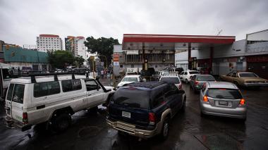 Detienen a directivo de PDVSA por escasez de gasolina