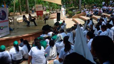 Durante la mañana se realizó un acto de conmemoración a las víctimas, en el teatrino de la Ronda del Sinú.