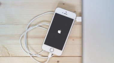 Apple le cierra las puertas a los cables 'chimbos' para cargar iPhone, iPod, y los iPad