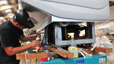 Producción industrial cae por IVA y tasa alta: Andi