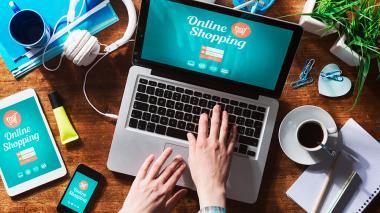 Comprador de productos y servicios online.