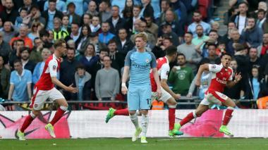 Alexis castiga al City de Guardiola y mete al Arsenal en la final de la FA Cup