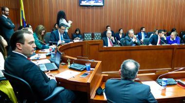 En GNF son expertos en gas, no en lo eléctrico, dice ministro Arce