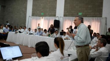 Vicepresidente Óscar Naranjo revisa paquete de medidas para La Guajira
