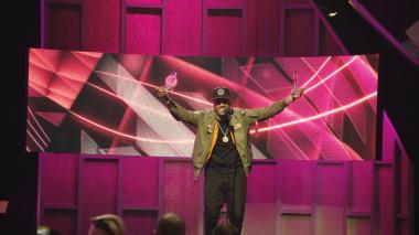 Nicky Jam arrasa en los Premios Billboard 2017