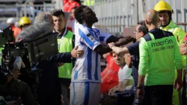 Muntari abandona la cancha tras escuchar gritos racistas