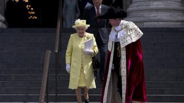"""Familia real de Inglaterra llama de """"emergencia"""" al palacio de Buckingham"""