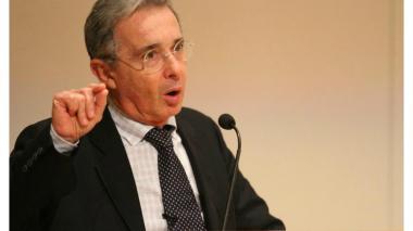 Senado rectifica trino de Uribe sobre edad de pensión