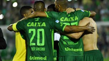 El Chapecoense gana su primer título tras la tragedia en Medellín
