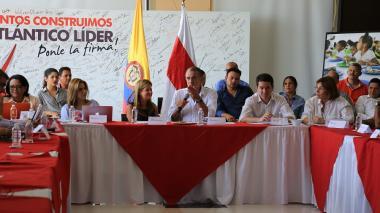 Minvivienda revisa proyectos de vivienda gratis y agua potable en Atlántico
