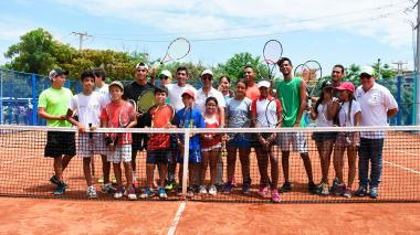 Barranquilla, con tres canchas de polvo de ladrillo para jugar tenis gratis: Char