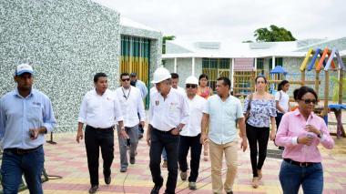 Gobernador Verano visita obras en CDI de Ponedera.