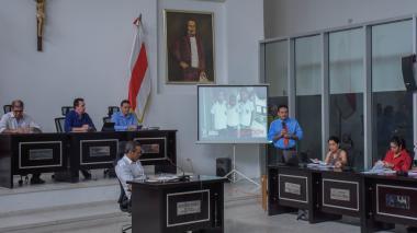 El secretario Barraza durante su intervención en la Asamblea.