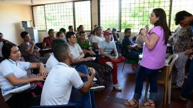 Estudiantes de 11º del Distrito se preparan para las Pruebas Saber