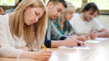 Colciencias y Colfuturo otorgan 1.292 créditos beca para estudios superiores