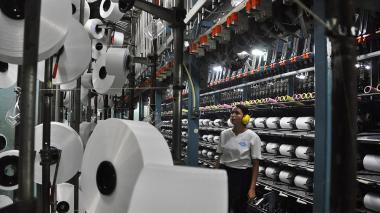 Producción industrial presentó un balance negativo en abril