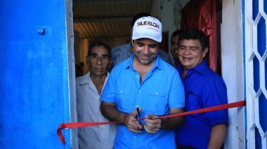 Alcalde Char entregó mejoramiento de vivienda a 231 familias en La Sierrita