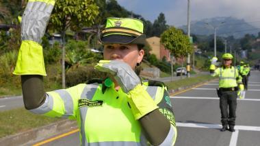 40 mil policías protegen vías nacionales en el puente de San Pedro y San Pablo